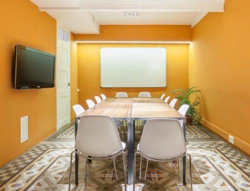 Aspectos que valorar antes de alquilar una sala de reuniones
